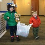 Cuties Sam and Oliver delivering items